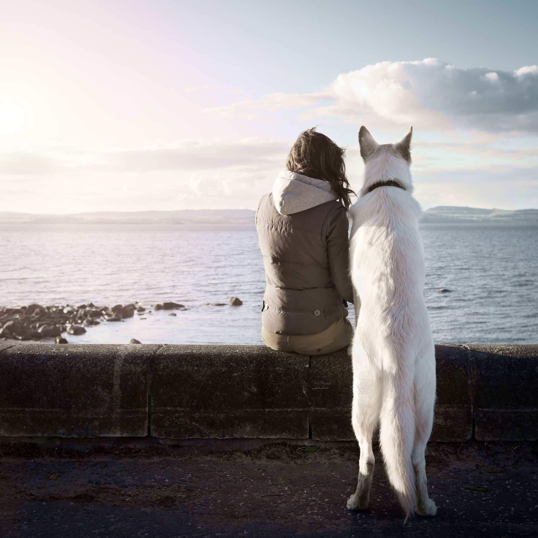 seitz_girl_dog_sea